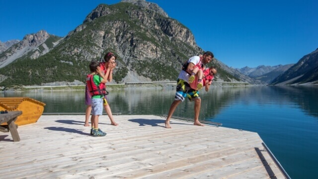Livigno in summer - Water sports at Lake Livigno
